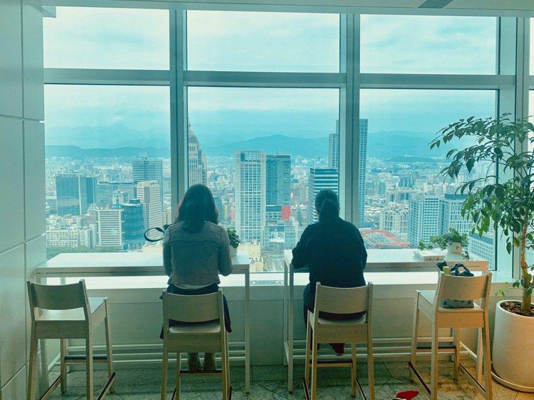 台北101大樓35樓「Sky Park」空間,攜手大成集團引進5家餐飲品牌。圖/...