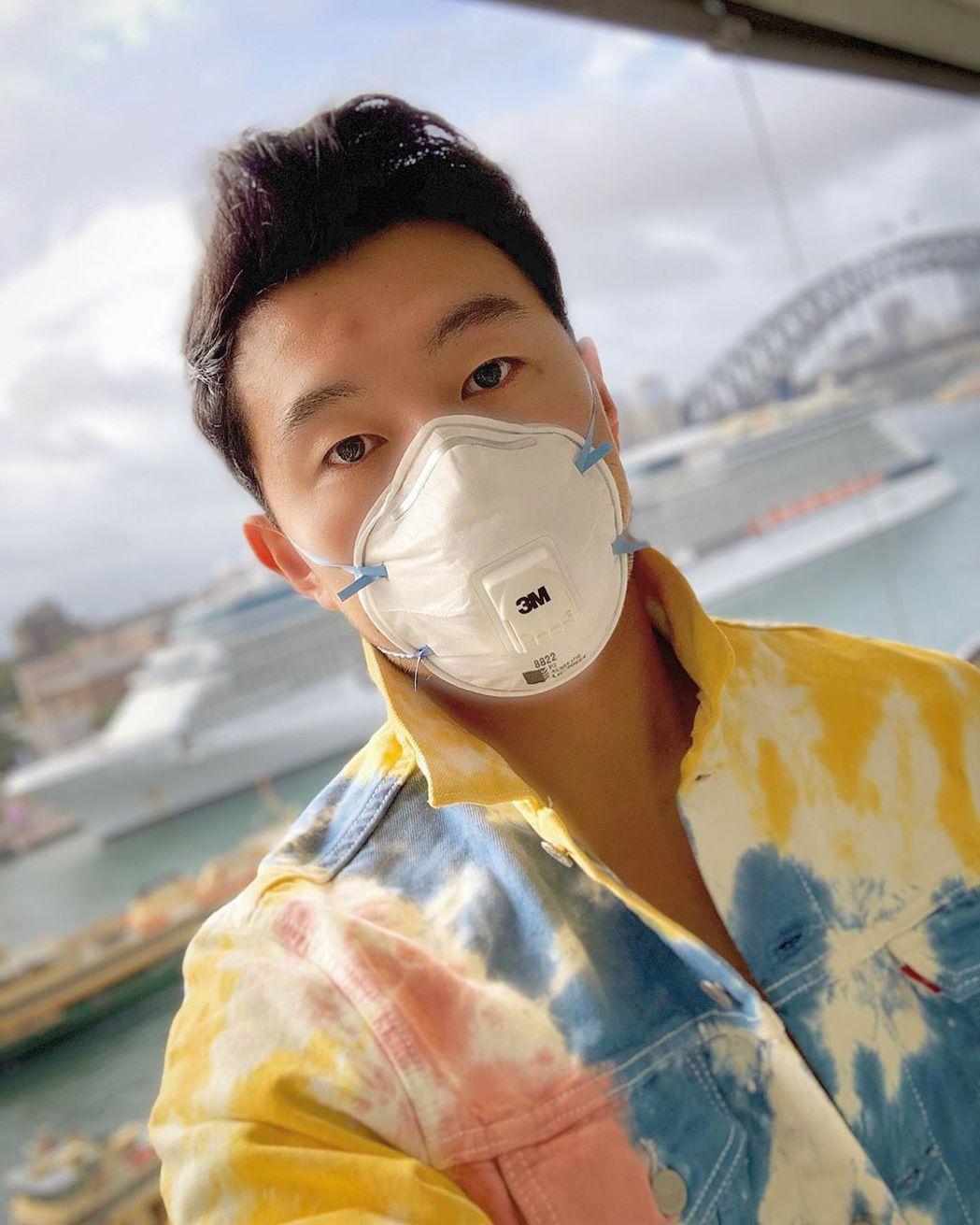 「上氣」男主角劉思慕之前就已發布戴口罩自保的照片。圖/摘自Instagram