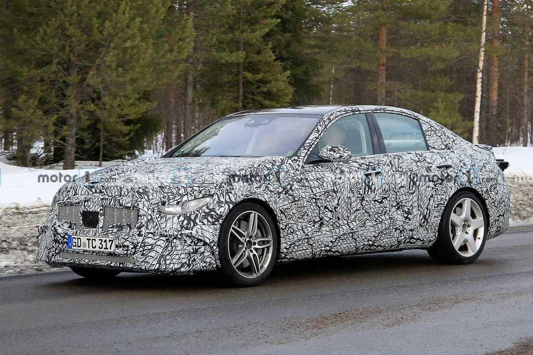 全新Mercedes-AMG C 53雪地測試中 真的會變成四缸引擎嗎?