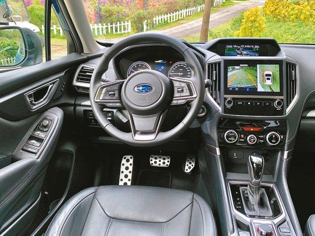 從新車駕駛艙可看出再升級提供全新觸控式智慧影音系統,擁有更智慧的影音連結。 圖/...