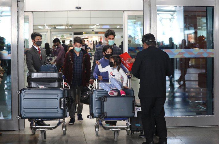 防堵疫情!印度鎖國1個月 菲律賓首都也宣布封城 歐新社