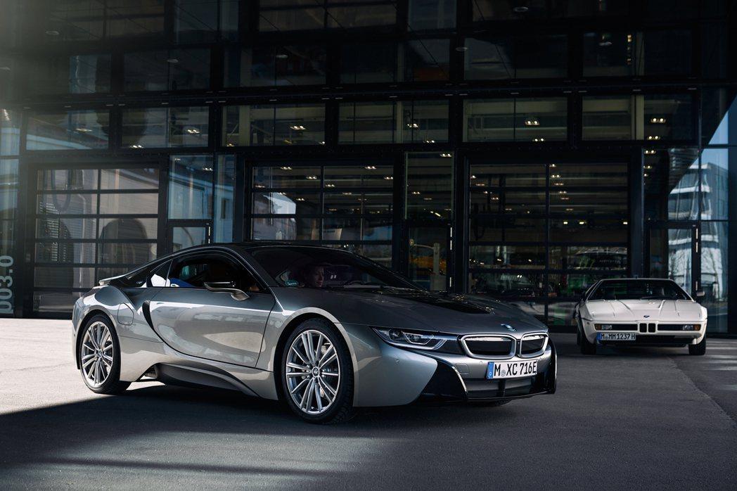 BMW i8綜效馬力可達374hp。 摘自BMW