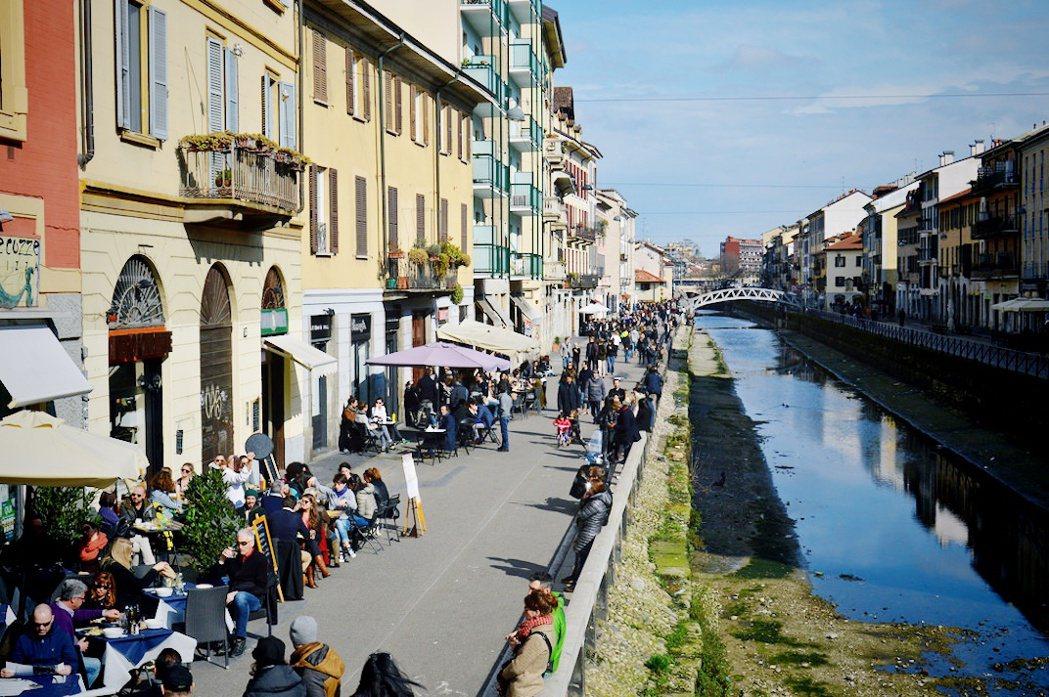 對於喜愛熱鬧的義大利人而言,封城大規模改變了他們平常的生活方式/圖片來源:jov...