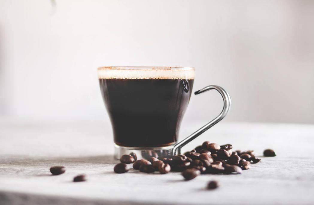 常喝咖啡較長壽 AI大數據研究發現平均餘命多2.1歲。 圖/pexels