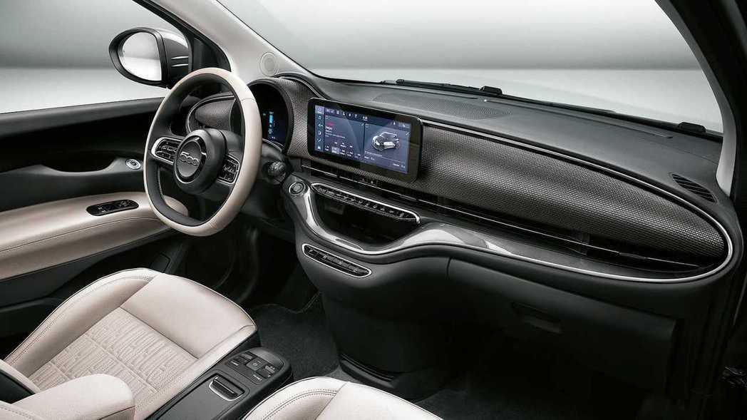 第三代Fiat 500內裝相當簡約清爽。 摘自Fiat