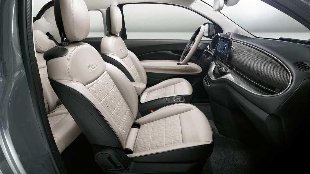 第三代Fiat 500車室。 摘自Fiat
