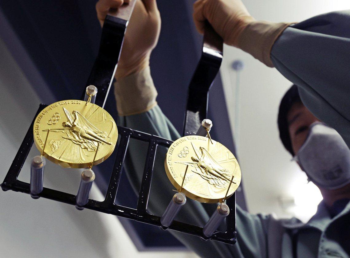 奧運會在經過當代30多年來的發展,隨著經濟全球化、跨國資本流動和消費文化的席捲,...