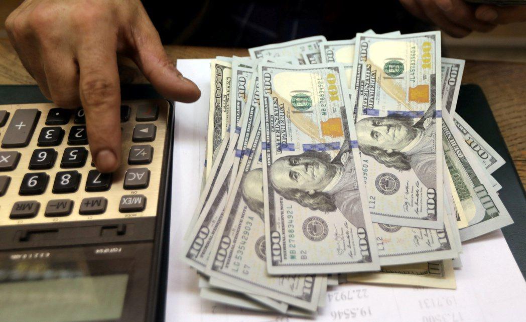Fed提高對資金市場放錢規模,紓解旱象。  路透