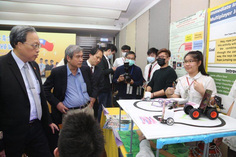 我國青少年在第15屆IEYI世界青少年發明展獲9面金牌。圖/教育部提供