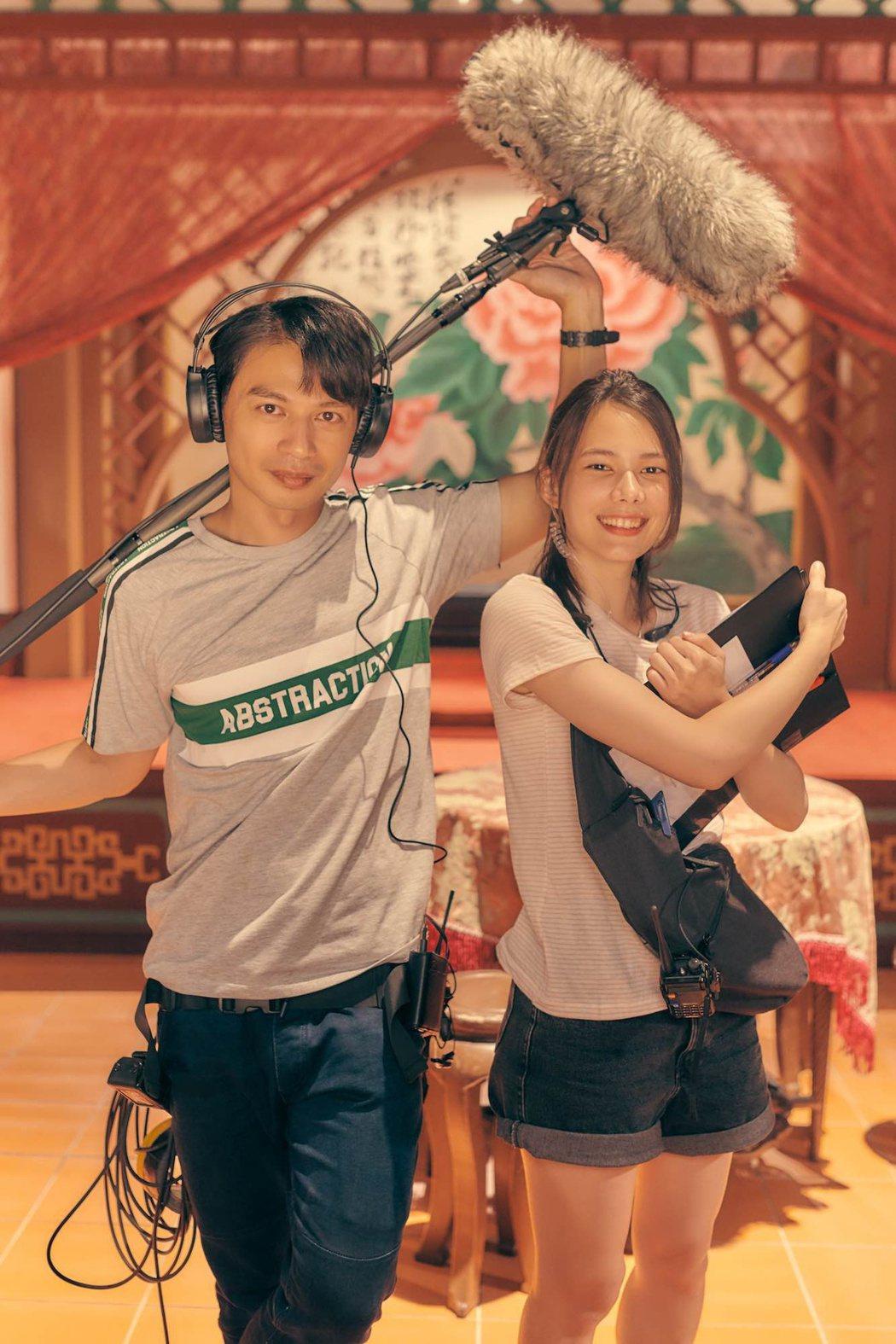 阿KEN、紀培慧主演電影「練愛iNG」於13日正式上映。圖/藝起娛樂提供