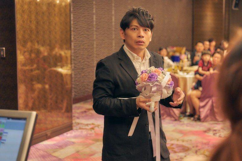 阿KEN自編自導自演電影「練愛iNG」於13日正式上映。圖/藝起娛樂提供