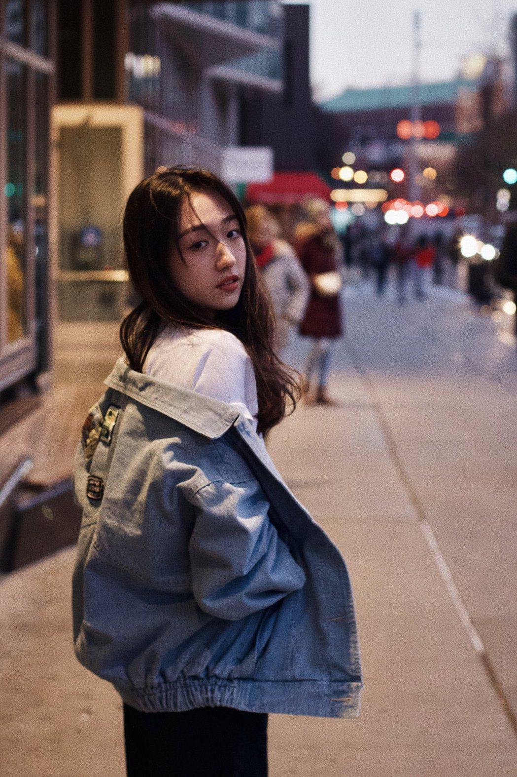 撿場、李翊君的愛女王敏淳推出首支單曲「和你一起」。圖/鮪魚肚影音提供