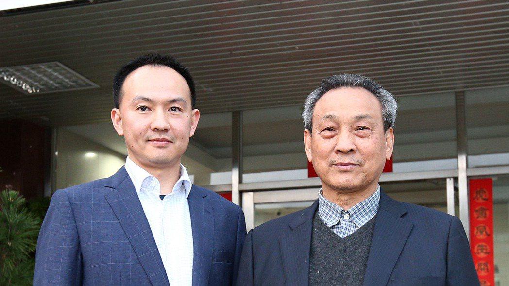 虎山實業董事長陳春協(右)與總經理陳映志(左)父子。 記者蘇健忠/攝影