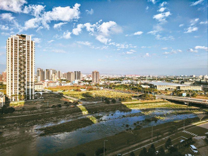 房仲業表示,青埔高鐵特區走過低潮,現在又成爆紅炸子雞。 圖/台灣房屋提供