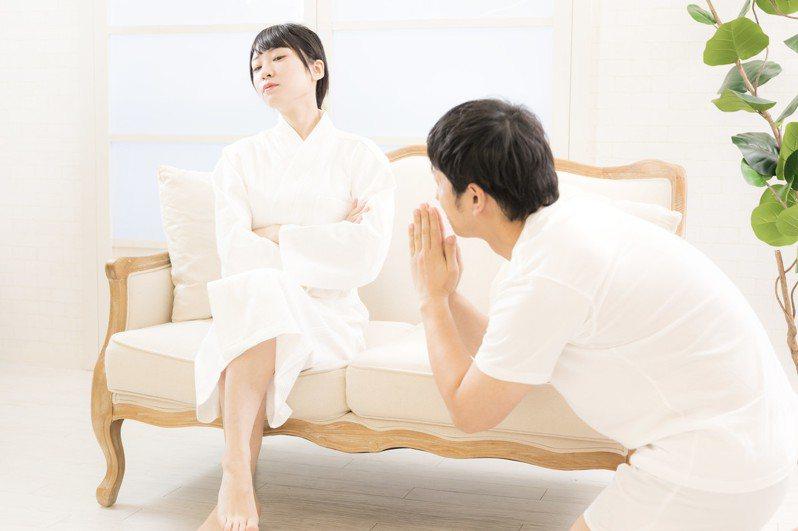 網友曝光爸爸每次夫妻吵架時和好的招數。 圖/pakutaso