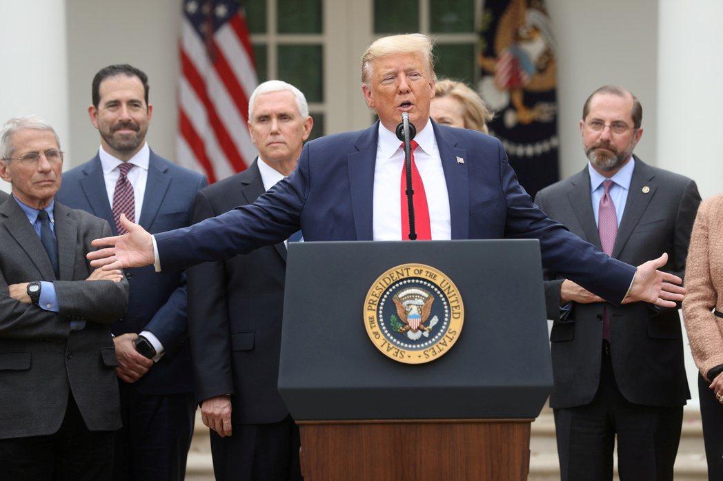 美國總統川普13日宣布美國進入緊急狀態。路透