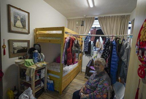 「你的衣櫃,是否比大部分香港人的公寓還大?」 是判斷富豪的一種奇特方式。圖為今年初香港推動劏房(分租公寓)改造的一個樣本。新華社