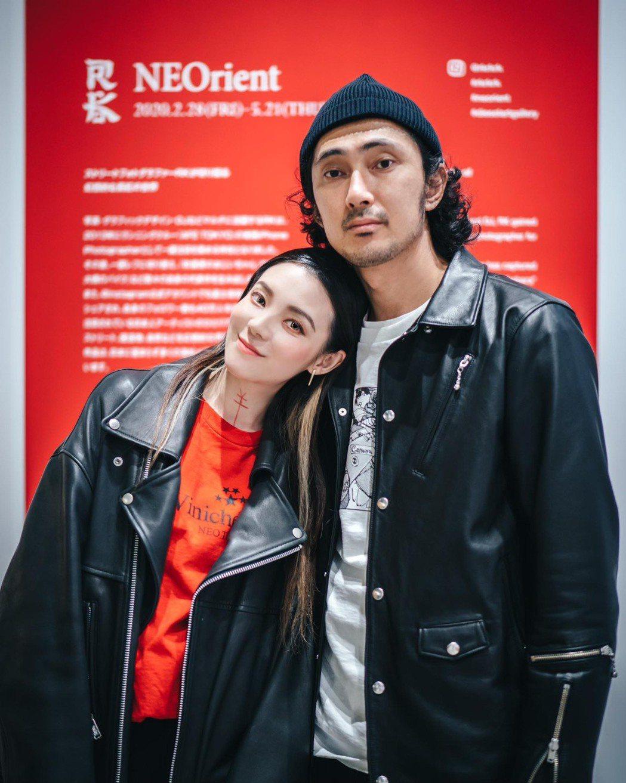 歐陽靖與攝影師男友RK宣布結婚、懷孕5個月喜訊。圖/翻攝臉書