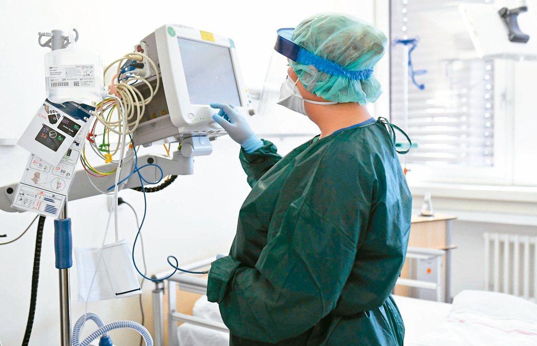 在醫療領域運用AI技術輔助癌症及疾病的判斷與治療,有助精準醫療發展。 圖/聯合報...
