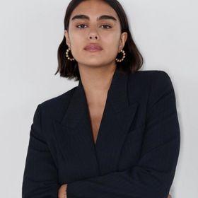 「女生有小腹,再正常不過」Jill Kortleve成 Chanel首位M號模特,向世界宣告美麗不止有一種樣子