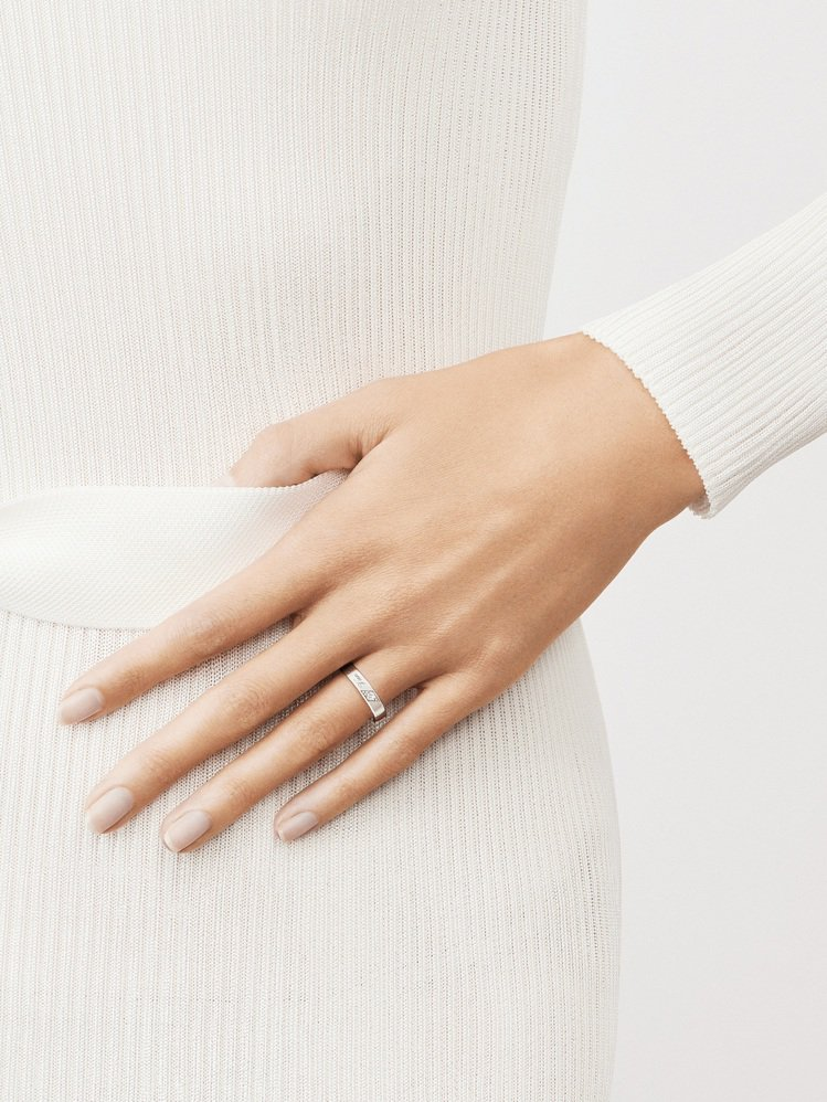 Toujours Signature Etoiles結婚戒指,鉑金寬度4毫米鑲嵌...