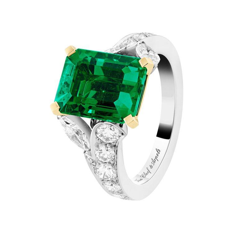 Jasmin單顆寶石戒指,鉑金與黃K金鑲嵌圓形及馬眼形切割鑽石、單顆4.22克拉...