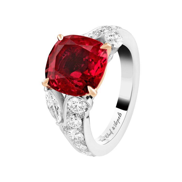 Jasmin單顆寶石戒指,鉑金與玫瑰金鑲嵌圓形及馬眼形切割鑽石、單顆5.02克拉...