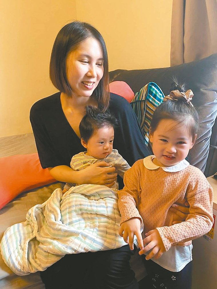 余苑綺(左)上月開刀發現淋巴長出新腫瘤。 圖/摘自臉書