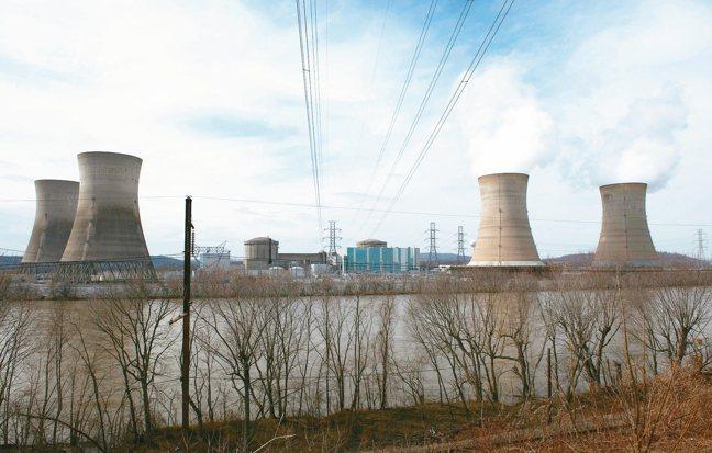 其他國家正因安全考量放棄使用核能,美國卻批准兩座核子反應爐執照到期後,可再運轉2...