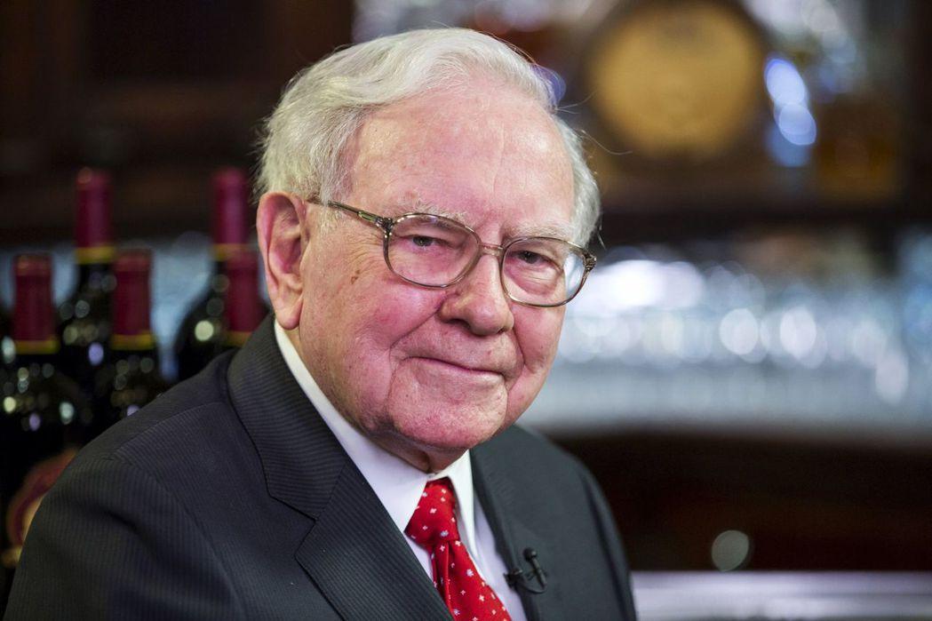 觀察家認為,以目前股市動盪之激烈,巴菲特已有機會遵循他自己的座右銘來大賺一票,一...