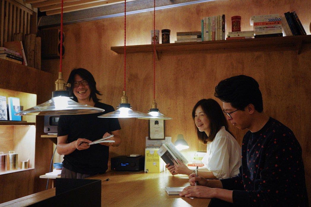 資深出版人李惠貞在空間盡頭構築了一間隱密書店。 圖/森3提供