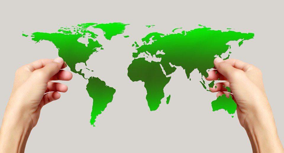 國內永續領導品牌CSRone永續智庫都會定期出版《臺灣暨亞太永續報告現況與趨勢》...