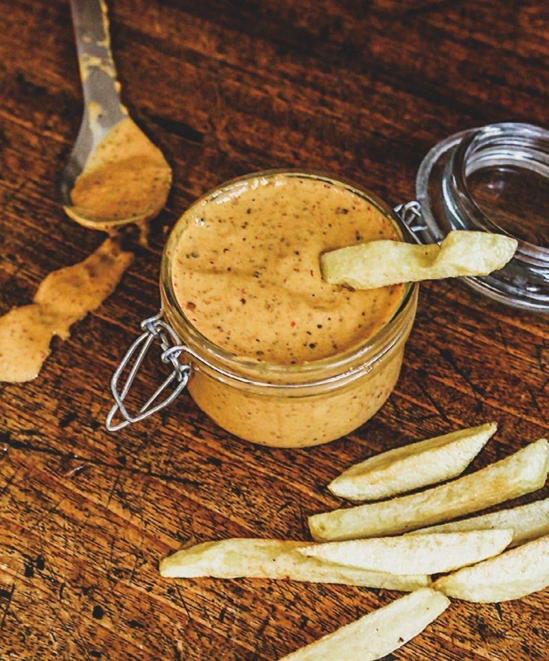 醬汁是決定薯條好吃的關鍵之一。 圖/幸福文化 提供