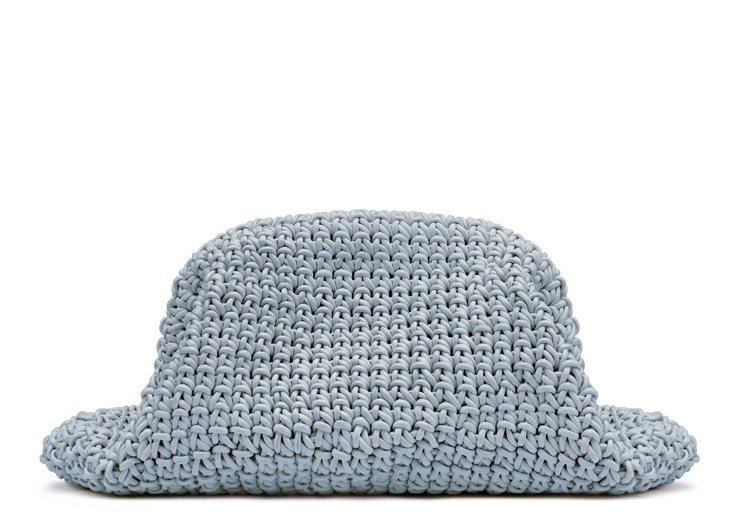 立體編織小羊皮手拿包,26萬6,300元。圖/BOTTEGA VENETA提供