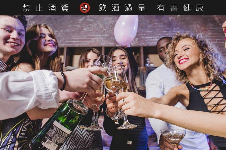 圖/freepik※ 提醒您:禁止酒駕,飲酒過量有礙健康,飲酒過量,害人害己。