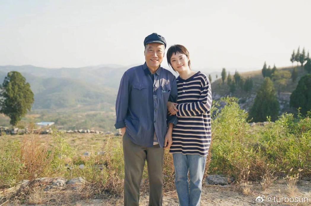孫儷(右)與白志迪在「安家」中祖孫情感人。圖/摘自微博