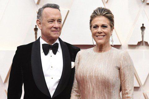 美國影星湯姆漢克斯和妻子麗塔威爾森3月稍早在澳洲確診感染2019冠狀病毒疾病(COVID-19,俗稱武漢肺炎),經治療後出院,並隔離超過2週,今天返回美國加州洛杉磯。在電影「阿甘正傳」(Forres...