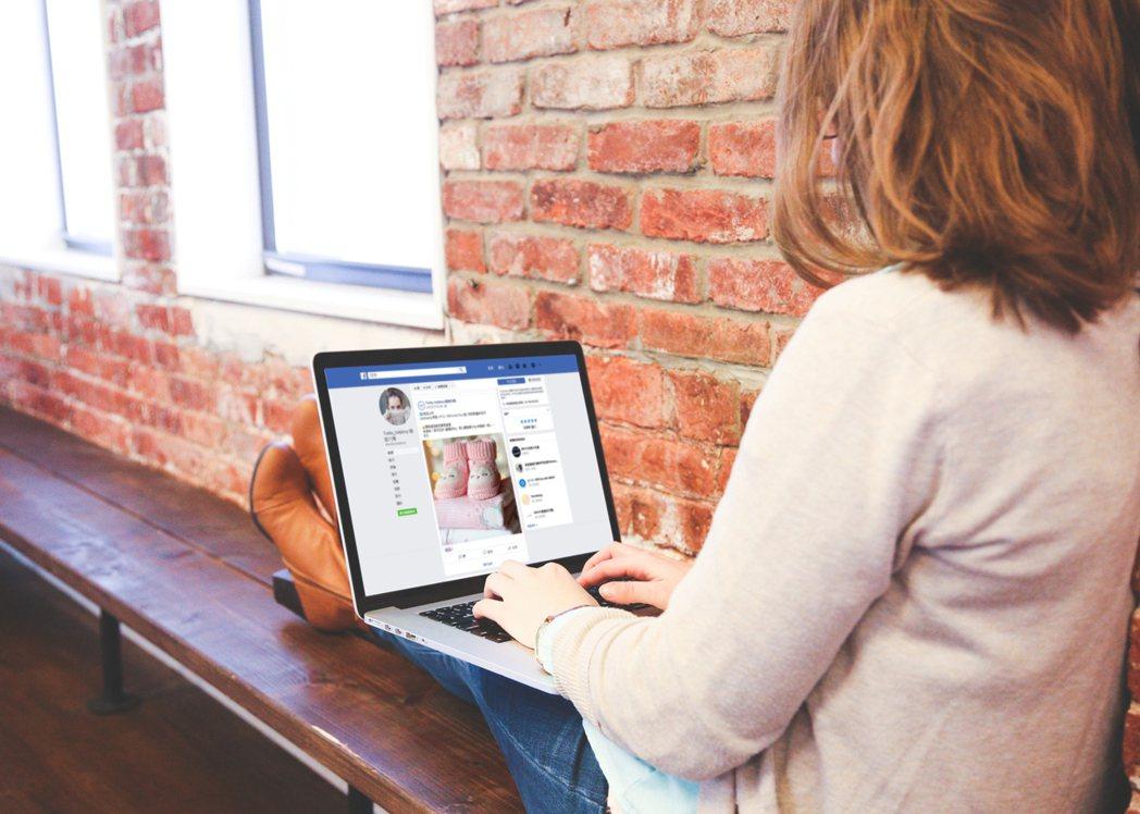 除了實體通路外,BUY+1與鼎新A1系統的整合服務,使臉書或LINE銷售更有效率...