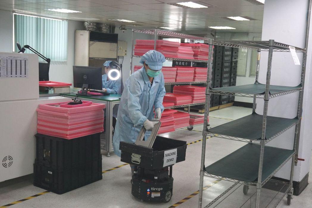 SFAR搬運機器人運搬治具。 金萊萊/攝影
