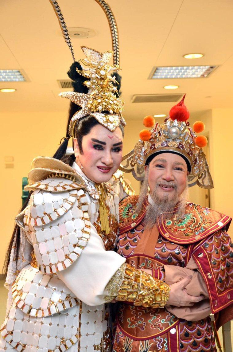楊麗花與小鳳仙情同手足,是多年至交的拜把姊妹。圖/楊麗花歌仔戲提供