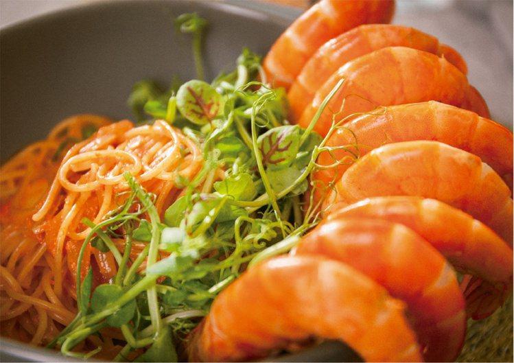 鮮蝦明太子義大利麵,售價580元。圖 / 享香檳海鮮餐酒館提供