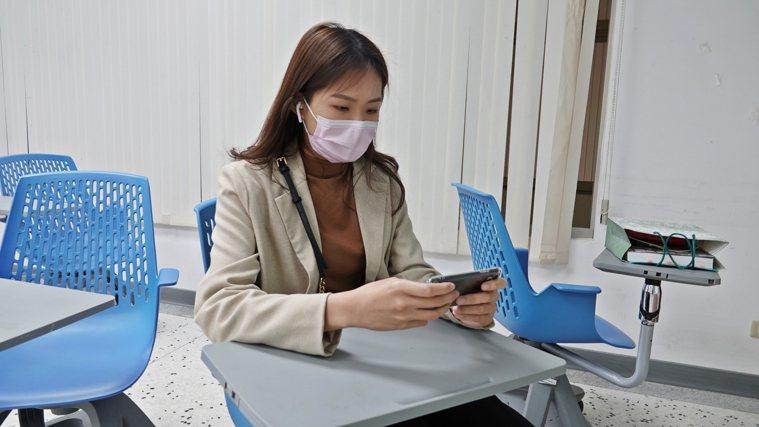 南部大學生確診新冠肺炎,引發校園師生和家長高度警戒,多校已安排百人以上課程一律改...