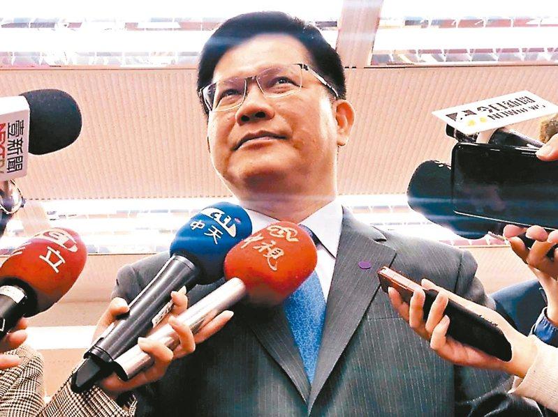 疫情衝擊,交通部長林佳龍表示交通部提出進一步協助業者度過難關紓困方案。 記者曹悅華/攝影