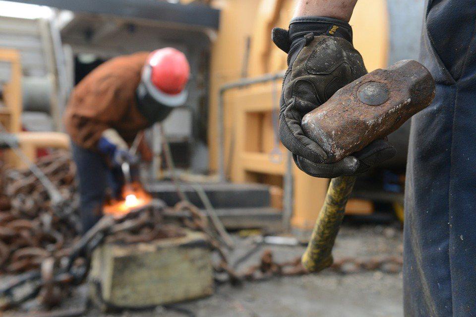 在自由、自主的情況下,勞動是回應內心的呼喚,有時甚至變成一輩子的生命任務。對於一...