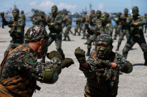 精簡兵力是世界趨勢,但國軍轉型高科技部隊的計畫何在?
