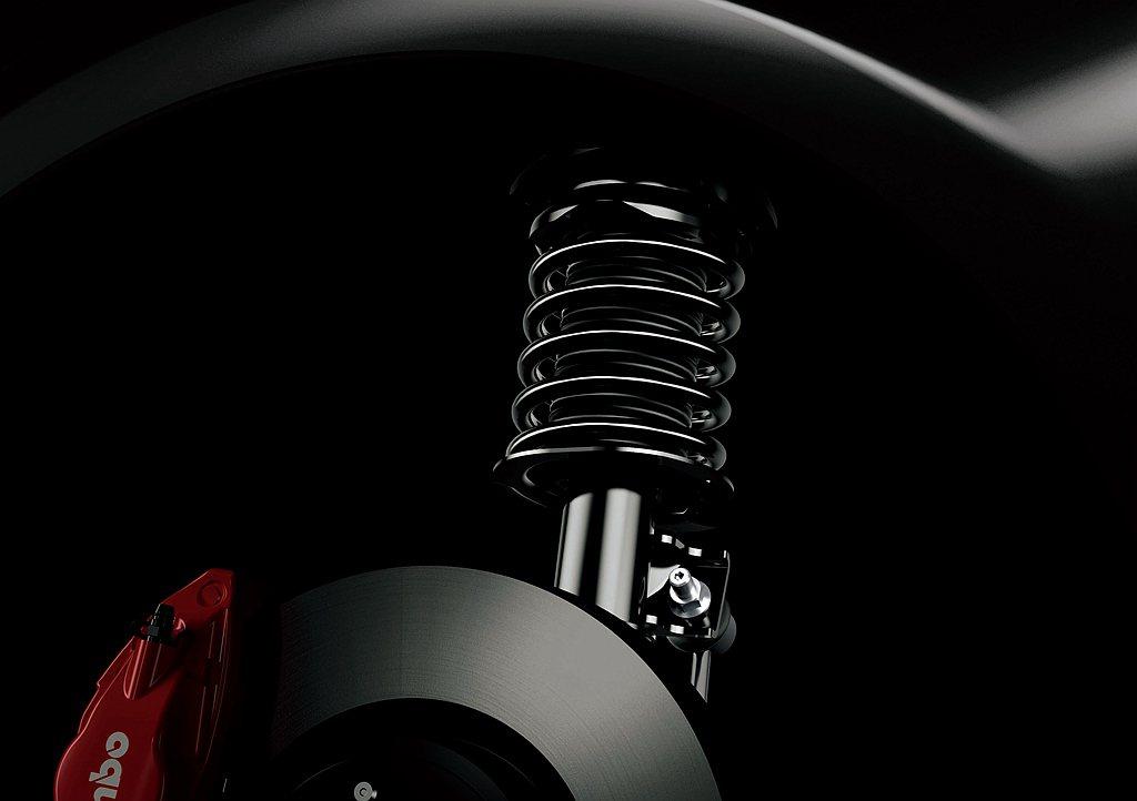 馬力維持207ps(自排為200ps),透過更換SACHS減震筒來提升車輛操控反...