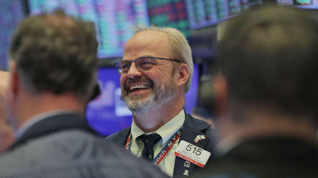 投資人提醒,美股已連續兩周沒有連續兩天上漲,要脫離險境還遠得很。 (路透)