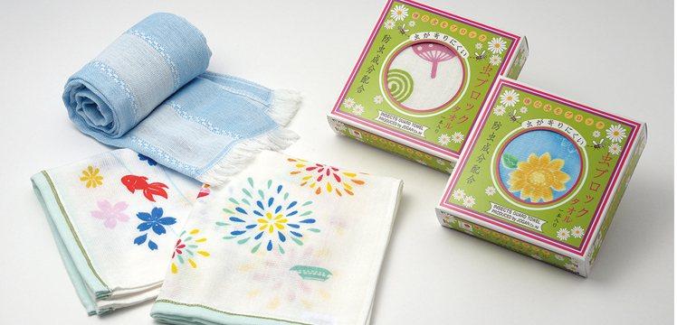 台隆獨家防蚊純棉紗布巾(扇子/煙火) 售價350元。圖/台隆手創館提供