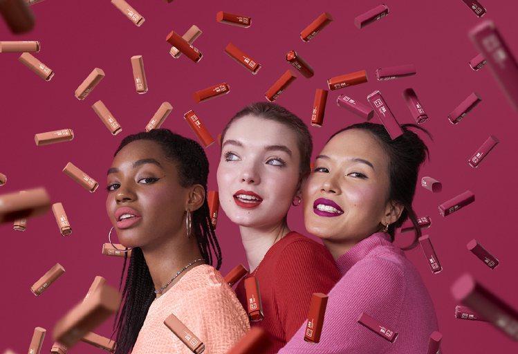 素有「色票霸主」稱號的3INA,今年隆重打造新品「微刺青印色唇釉」,以顯白的微糖...