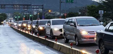 龜速車是塞車主因 蘇花改最快6月前訂最低速限